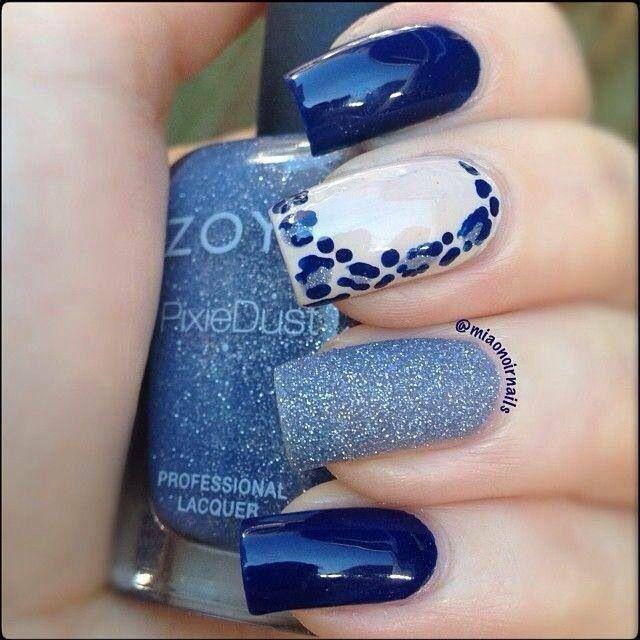 imagenes uñas azules