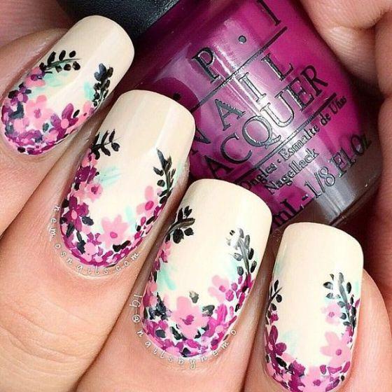 uñas blancas flores pequeñas