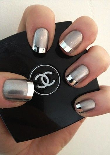 imagenes de uñas plateadas