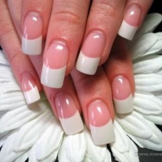 Los cursos de uñas acrilicas que no te puedes perder