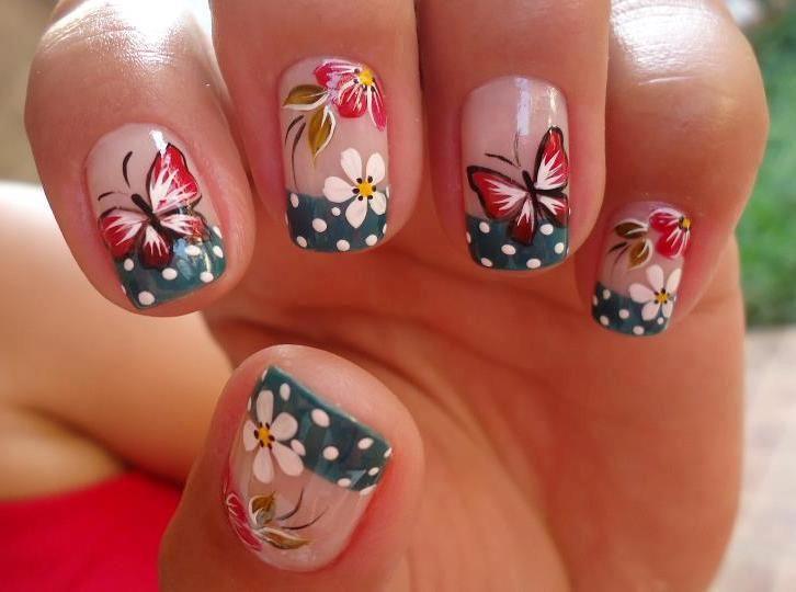 mariposas en uñas