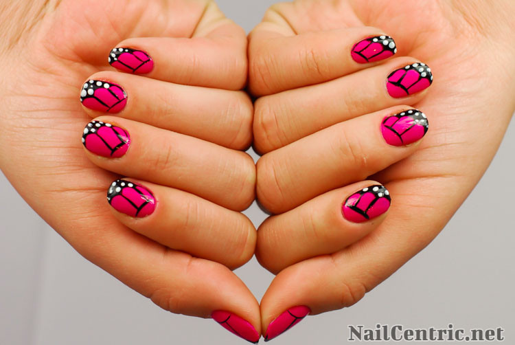 nails butterfly design