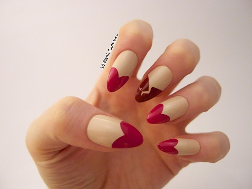 uñas acrilicas diseño corazon