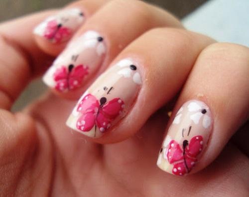 uñas cortas diseño de mariposas