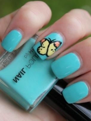 uñas decoradas de mariposa para niñas