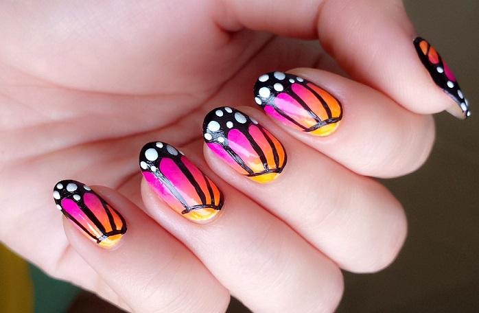 uñas decoradas de mariposa