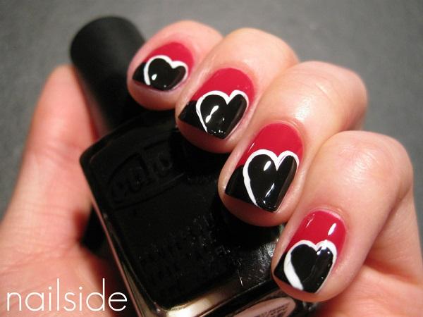 uñas negras decoradas corazones