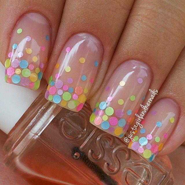 uñas pepitas de colores y transparente
