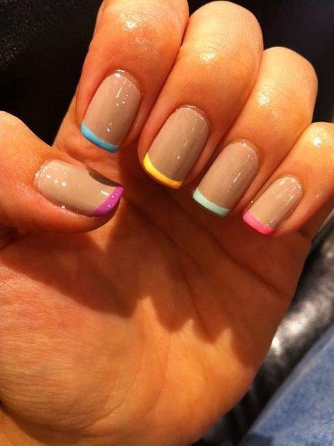 uñas sencillas con colores