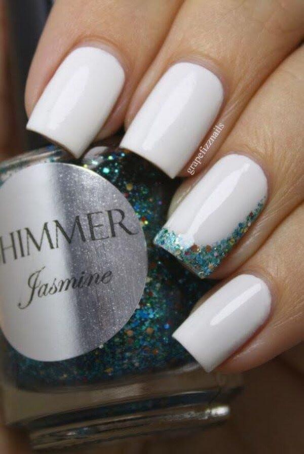 blanco y verde escarcha uñas elegantes