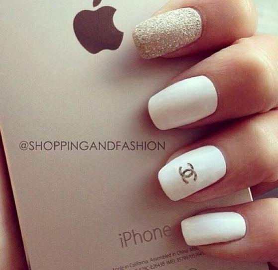 bonias uñas blancas