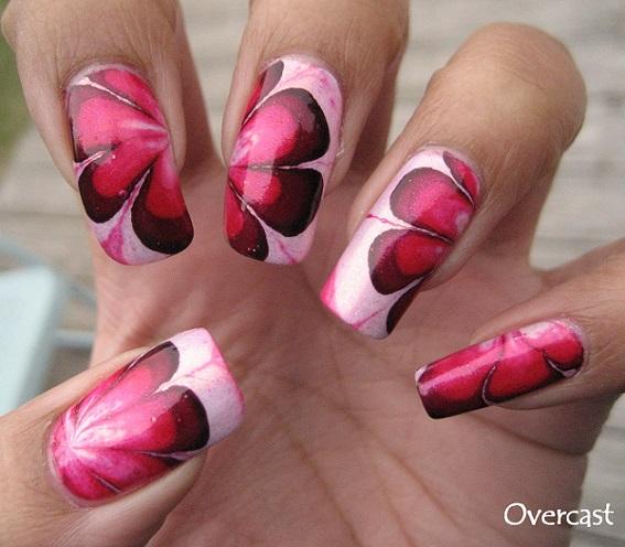 decoracion de uñas en agua color rojo