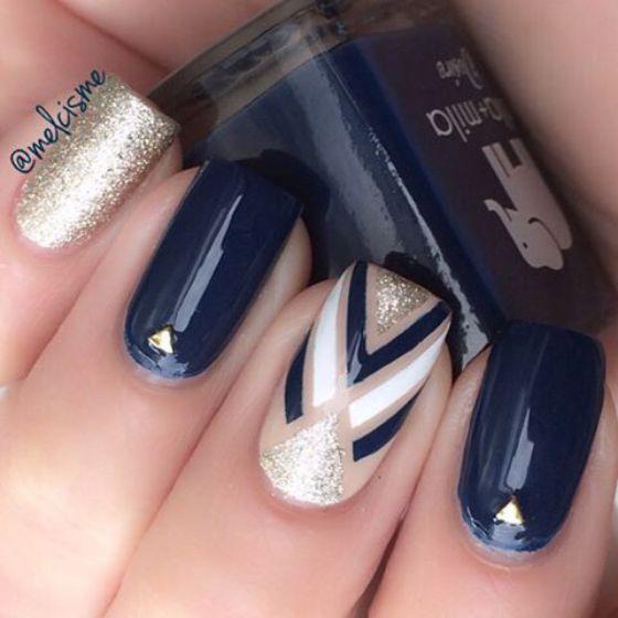 decoracion de uñas largas azules