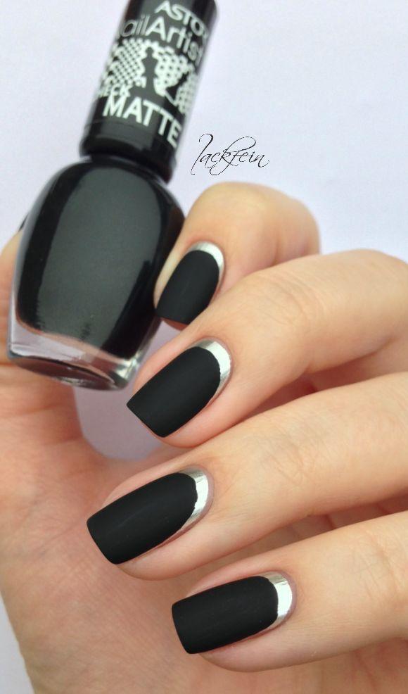 decorando uñas negras con plateado