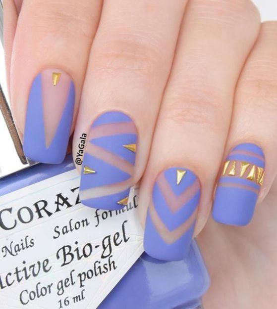 diseño de uñas con dorado