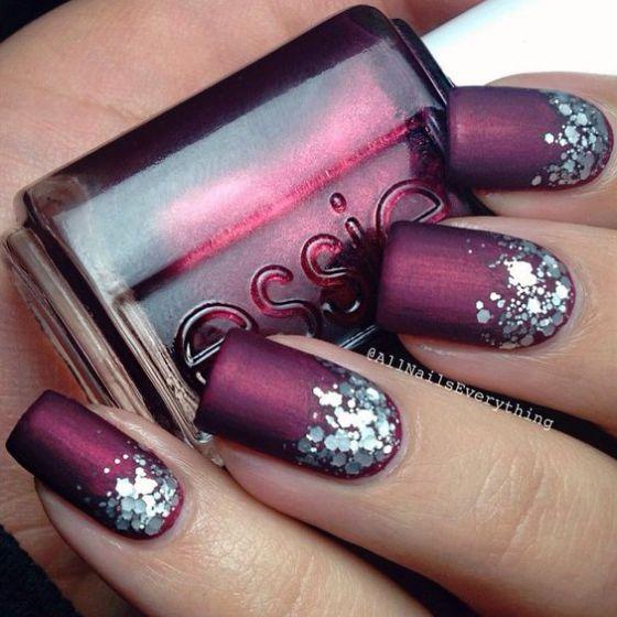 diseño de uñas con piedras