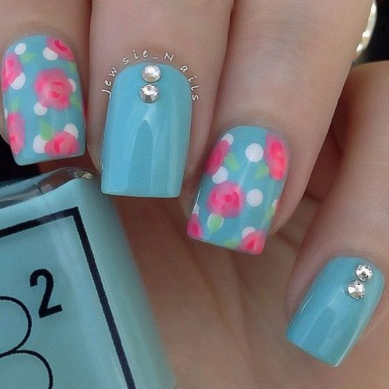 hermosas uñas con piedras