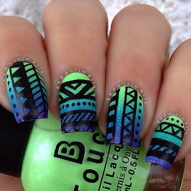 imagenes de uñas verdes con azul