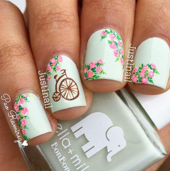 modelos de uñas cortas con rosas
