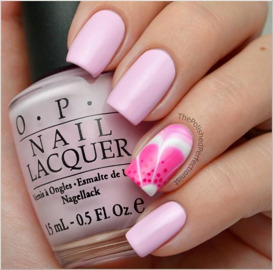 uña en agua color rosa