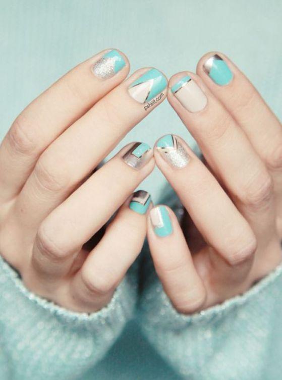 uñas cortas naturales color azul