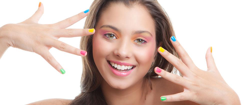 uñas de colores para niñas