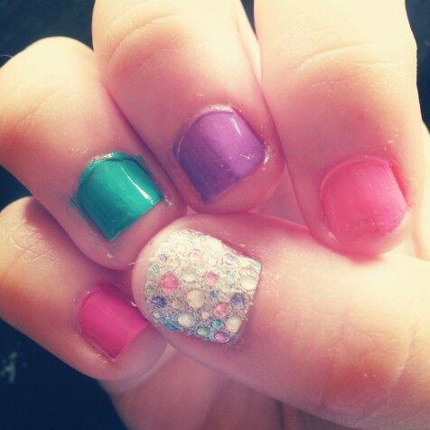 uñas de niña de colores