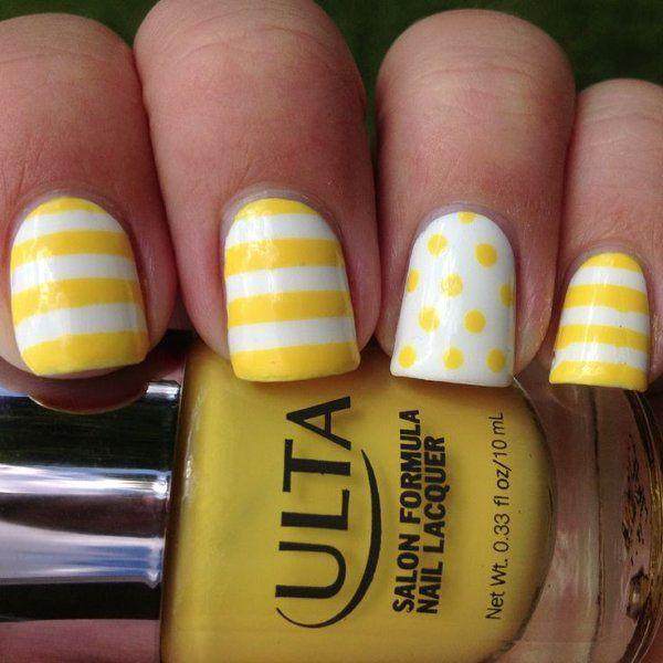 uñas decoradas amarillo y blanco