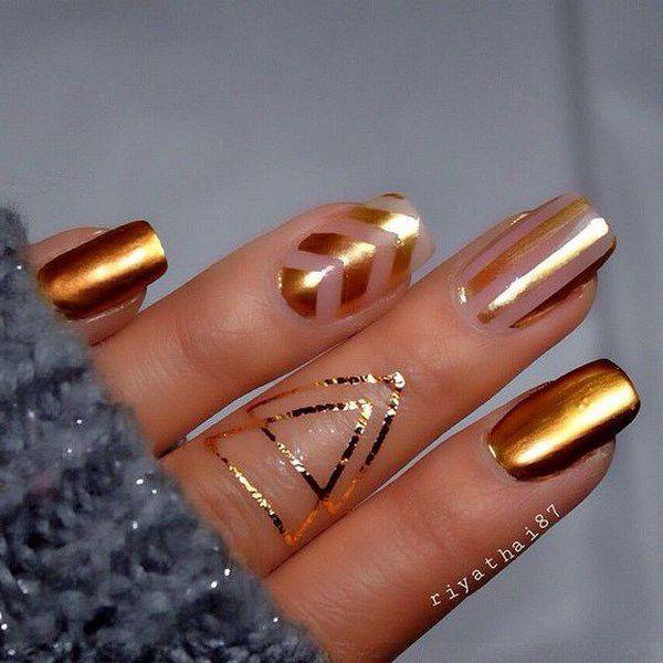 uñas metalicas doradas
