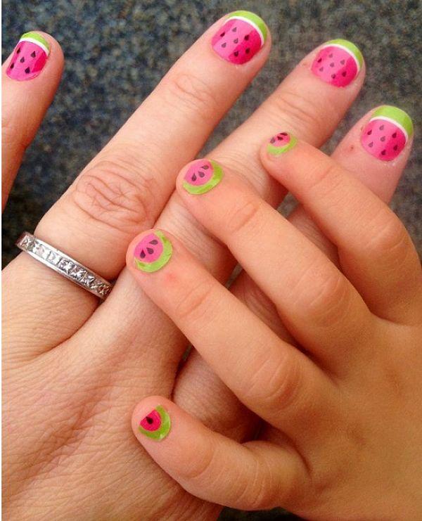 uñas rosas para niñas