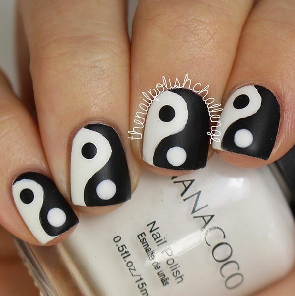 ying yang en uñas cortas