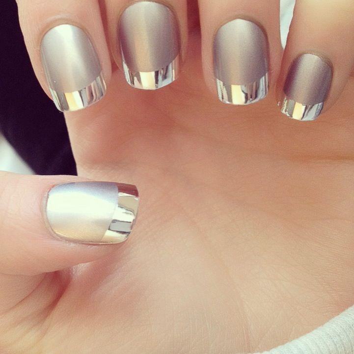 decoracion de uñas plateadas