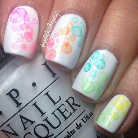 uñas color pastel de colores