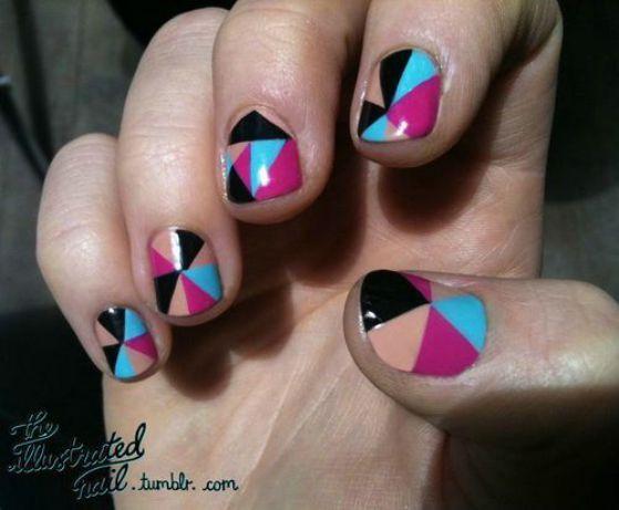 uñas cortas decoradas con colores