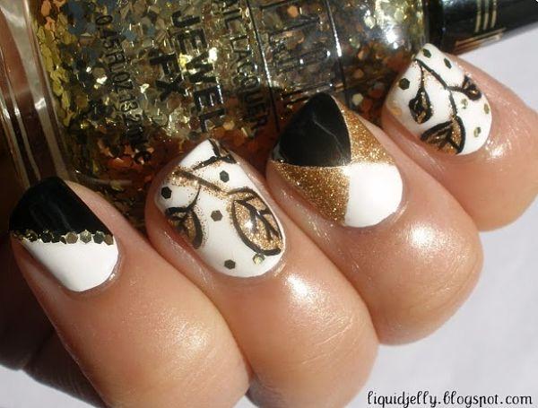 uñas cortas decoradas con dorado