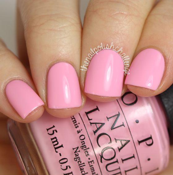 uñas cortas rosadas
