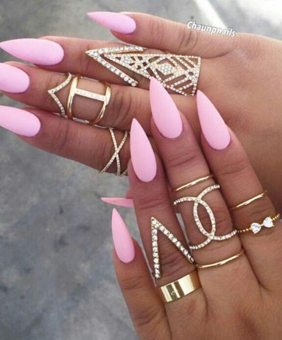 uñas esculpidas color rosa