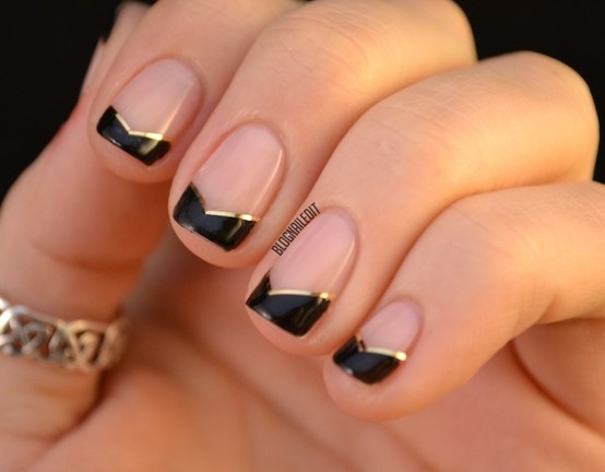 uñas naturales doradas