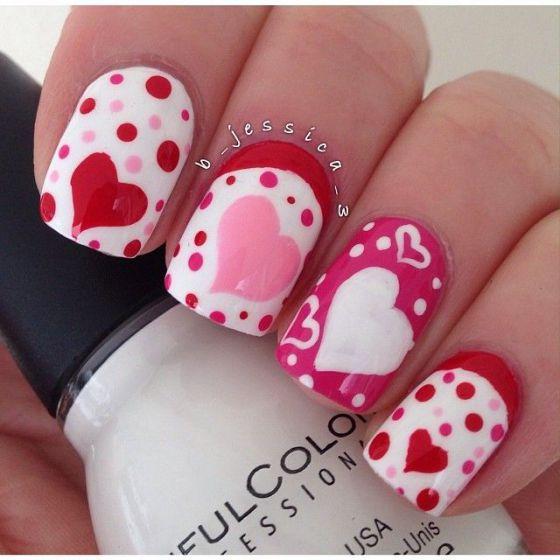 uñas rosadas con corazones (2)