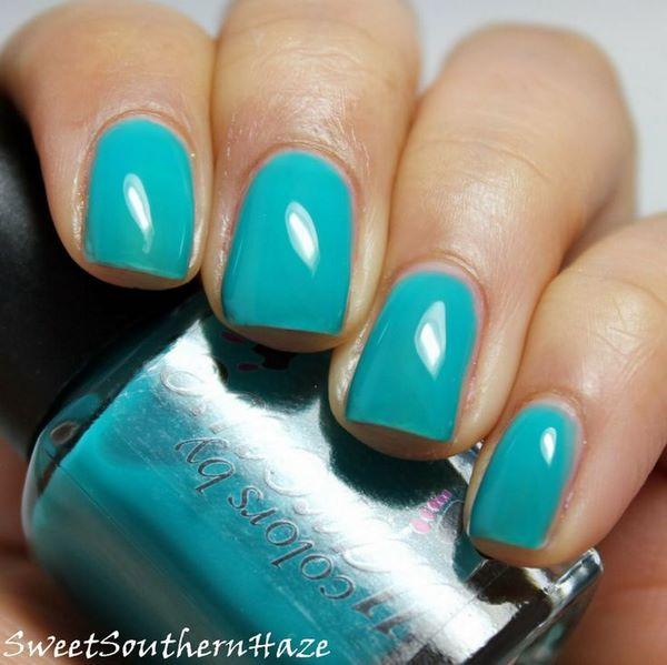 decoracion de uñas azule un solo tono