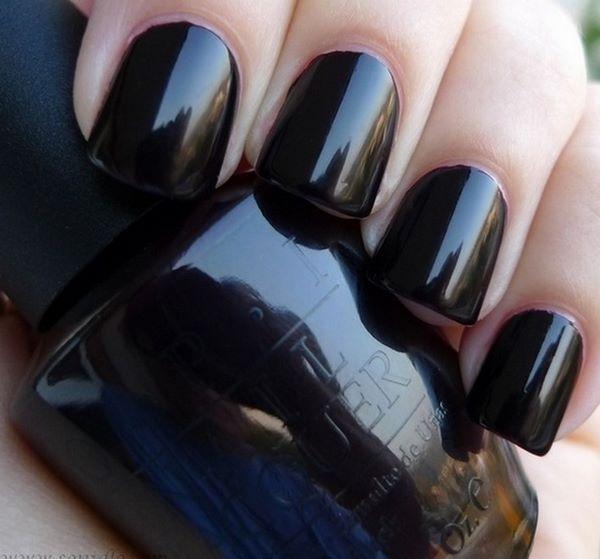 decoracion de uñas negras de un solo tono
