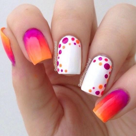 decorando uñas en degrade con puntos