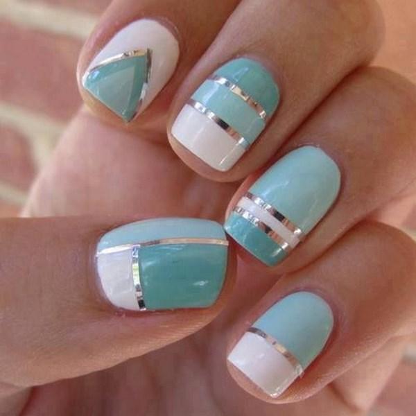diseño de uñas color menta con cintas