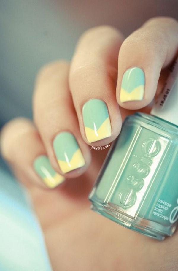 diseño de uñas color menta y amarillo
