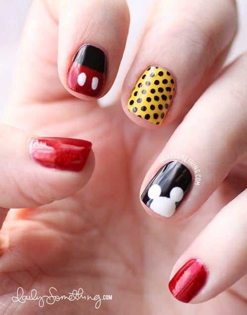 diseño de uñas de mickey