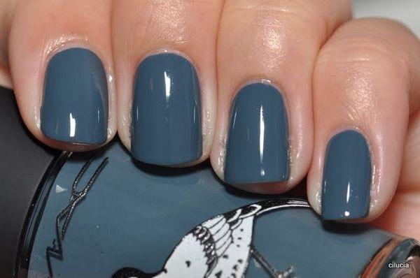 modelo de uñas azules