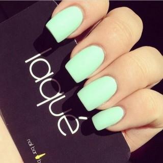 Bellisimas uñas color menta diseños para todo tipo de uñas