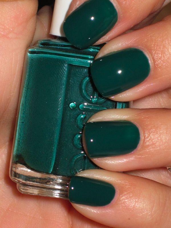 uñas decoradas de verde