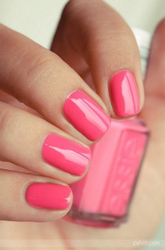 decorando uñas cortas color coral