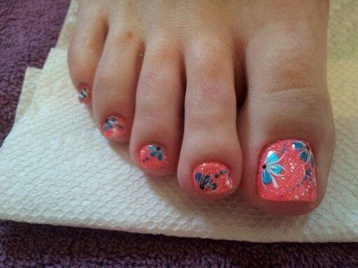 diseños de uñas de pies con escarcha